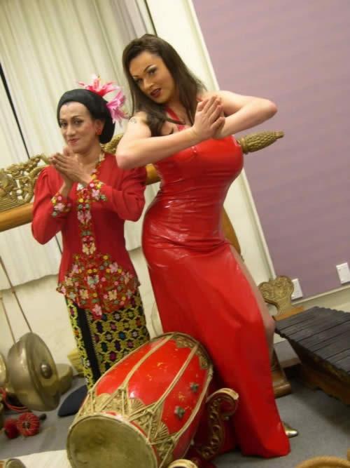 Didik Nini Thowok And Lilith La Croix