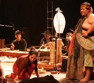 Gundono At Festival Seni Surabaya 2007